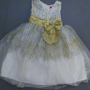 Girls Size 6 Dress